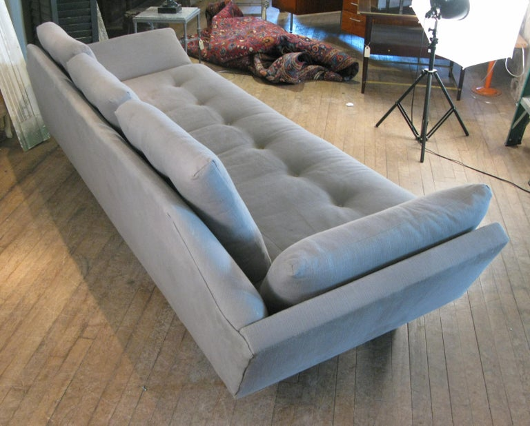 Vintage 1950s Walnut Gondola Sofa by Adrian Pearsall for Craft Associates In Good Condition For Sale In Hudson, NY