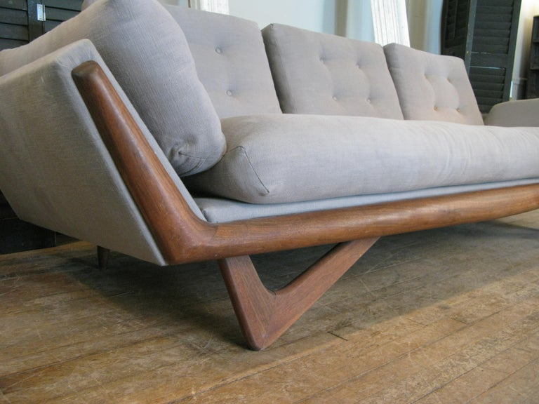 Mid-20th Century Vintage 1950s Walnut Gondola Sofa by Adrian Pearsall for Craft Associates For Sale
