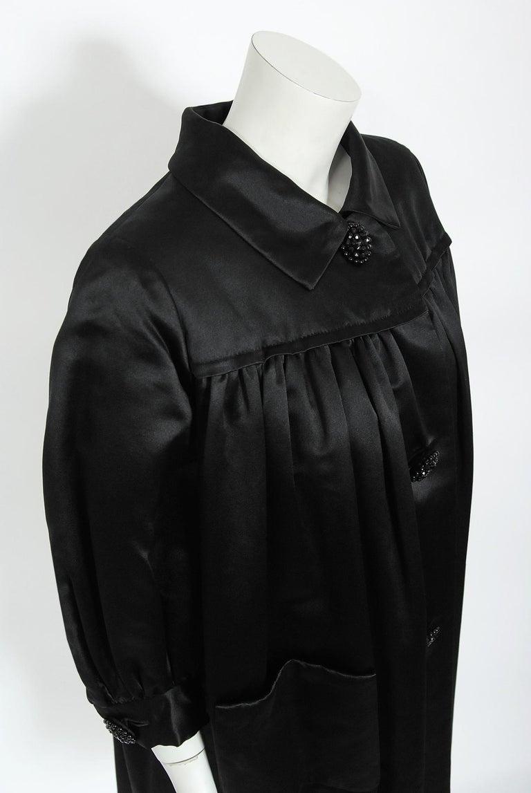 Vintage 1951 Traina-Norell Black Duchess Satin Voluminous Pleated Swing Coat For Sale 1