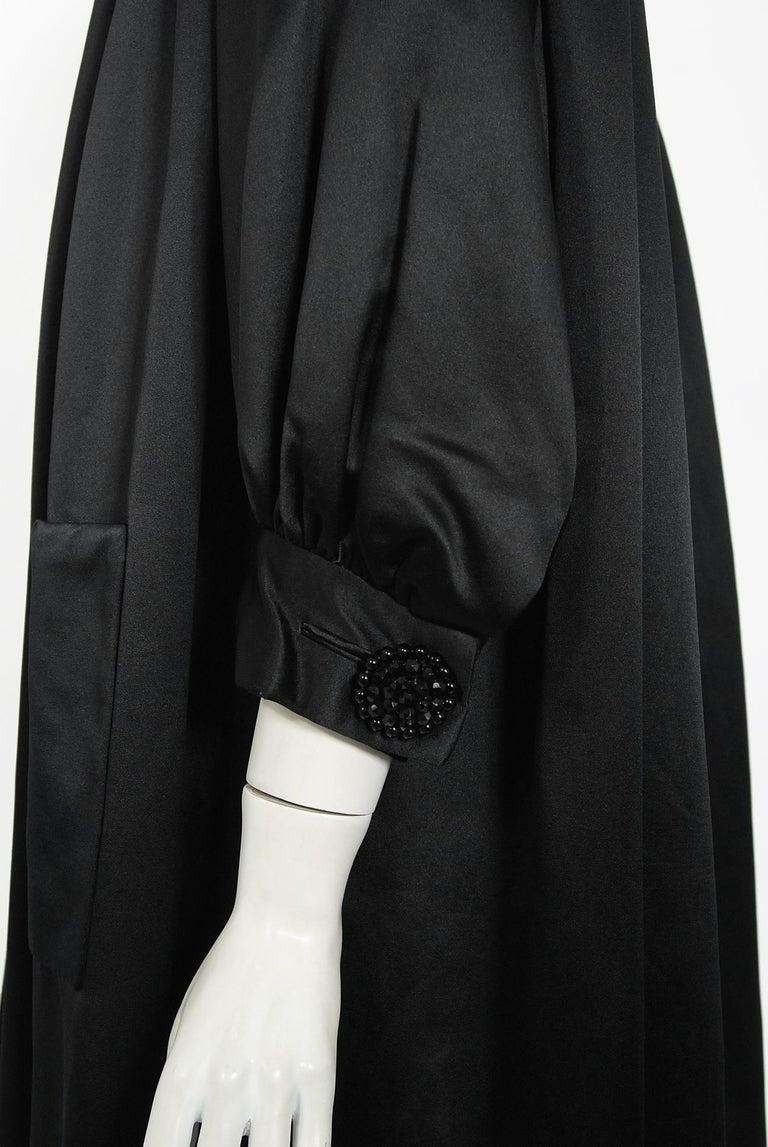 Vintage 1951 Traina-Norell Black Duchess Satin Voluminous Pleated Swing Coat For Sale 3