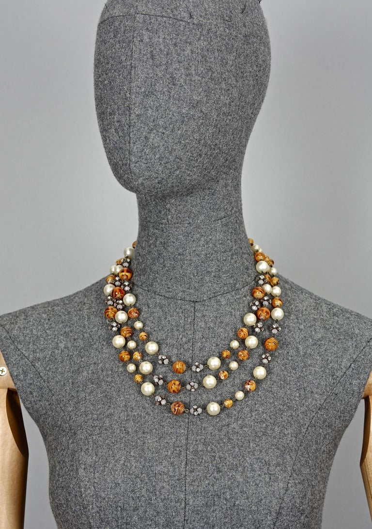Vintage 1960 CHRISTIAN DIOR Triple Strand Amber Glass and Pearl Necklace In Good Condition For Sale In Kingersheim, Alsace