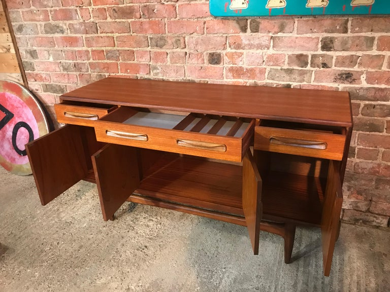 Vintage 1960 Kofod-Larsen for G-Plan Teak Retro Sideboard/Credenza In Good Condition For Sale In Cowthorpe, North Yorkshire