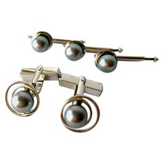 Vintage 1960s 14 Karat White Gold Grey Tahitian Pearl Cufflink and Stud Set