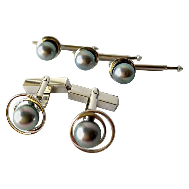 Vintage 1960s 14 Karat White Gold Grey Tahitian Pearl Cufflink and Stud Set For Sale