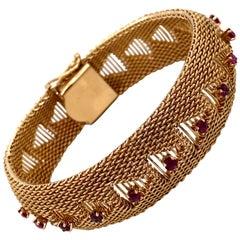 Vintage 1960s 14 Karat Yellow Gold Mesh Bracelet with Rubies