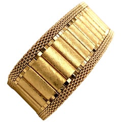 Vintage 1960s 14 Karat Yellow Gold Wide Brushed Link and Mesh Belt Bracelet