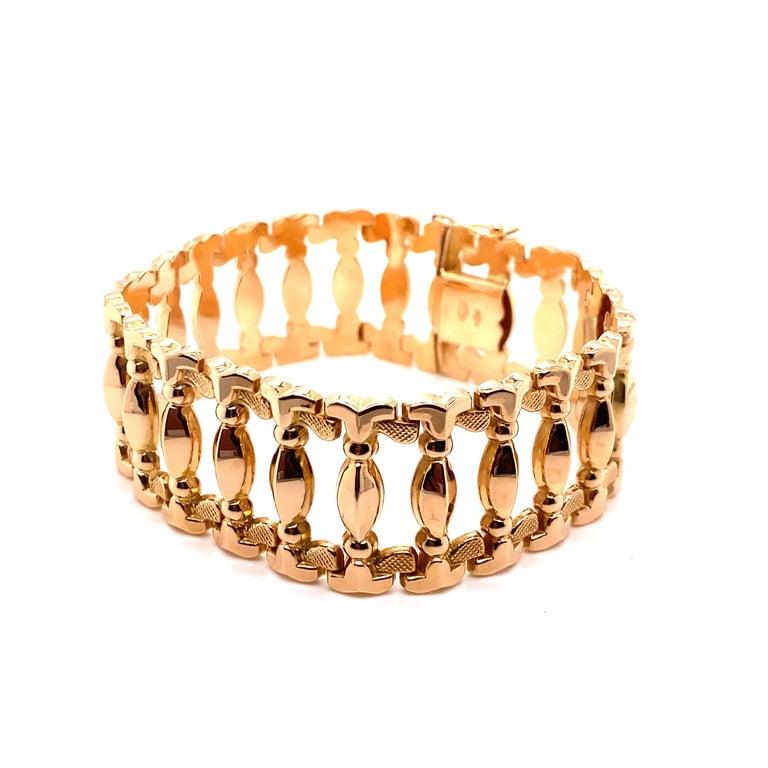 Vintage 1960s 18 Karat Rose Gold Retro Wide Link Bracelet For Sale 1