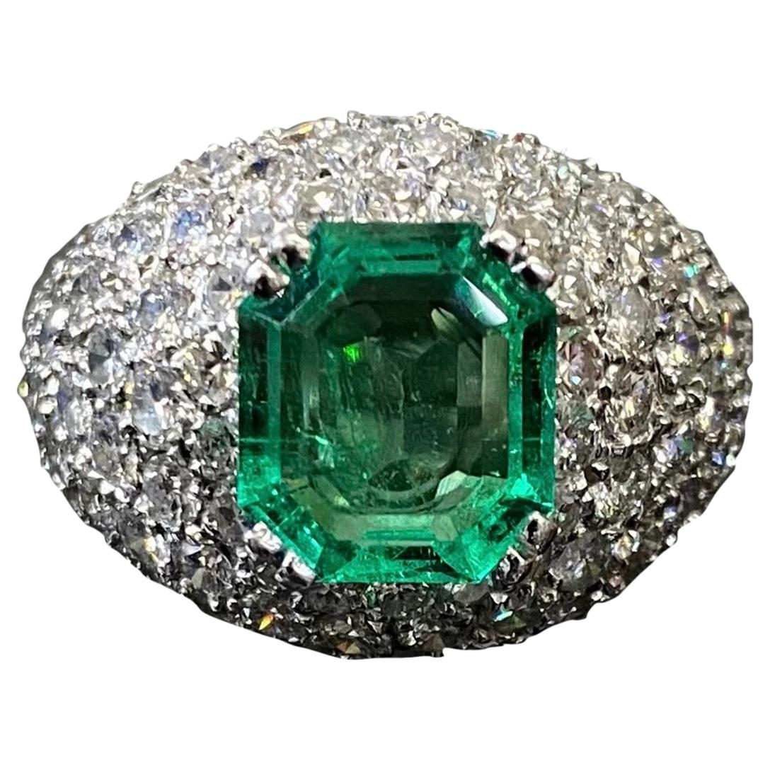 Vintage 1960s/1970s Colombian Emerald Diamond Bombe Cocktail Ring Platinum