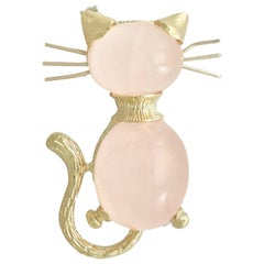 Vintage 1960s 7.06 Carat Rose Quartz and Yellow Gold Cat Brooch