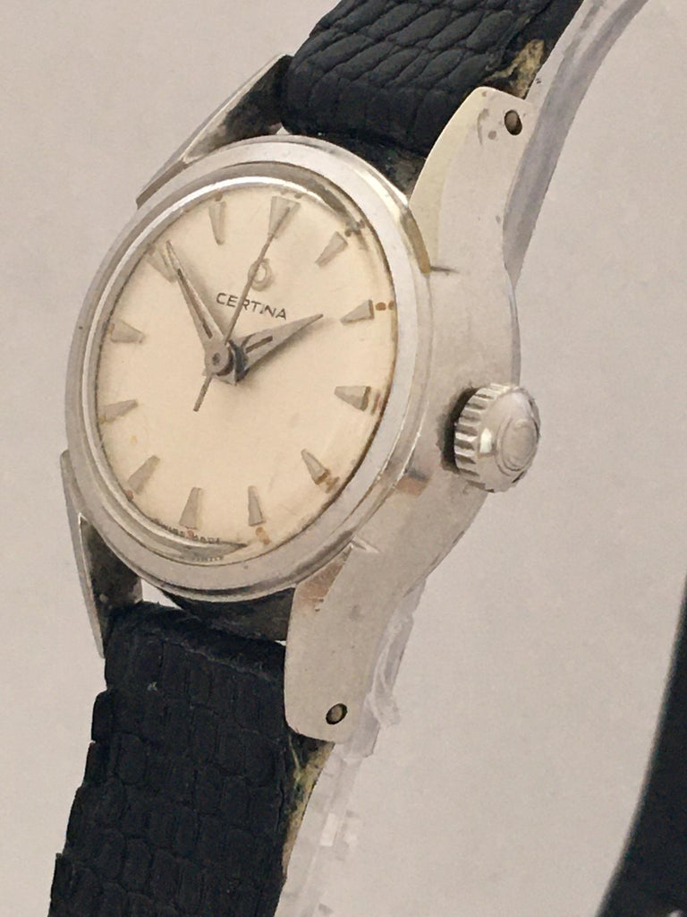 Vintage 1960s Certina Ladies Mechanical Watch In Good Condition For Sale In London, GB