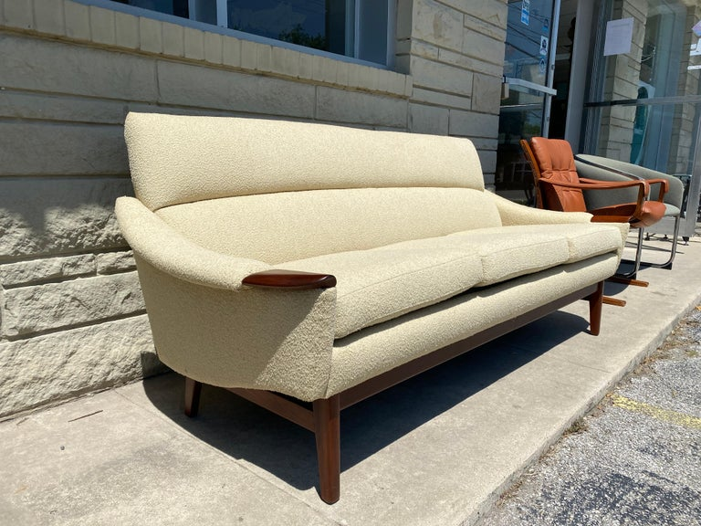 Vintage 1960s Cream Boucle and Walnut Sofa by R. Huber & Co. In Good Condition For Sale In San Antonio, TX