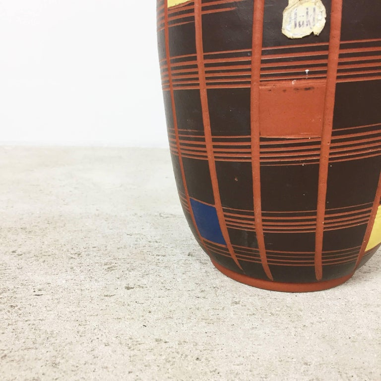 Vintage 1960s Cubic Ceramic Pottery Vase by Hükli Ceramic, Germany In Good Condition For Sale In Kirchlengern, DE