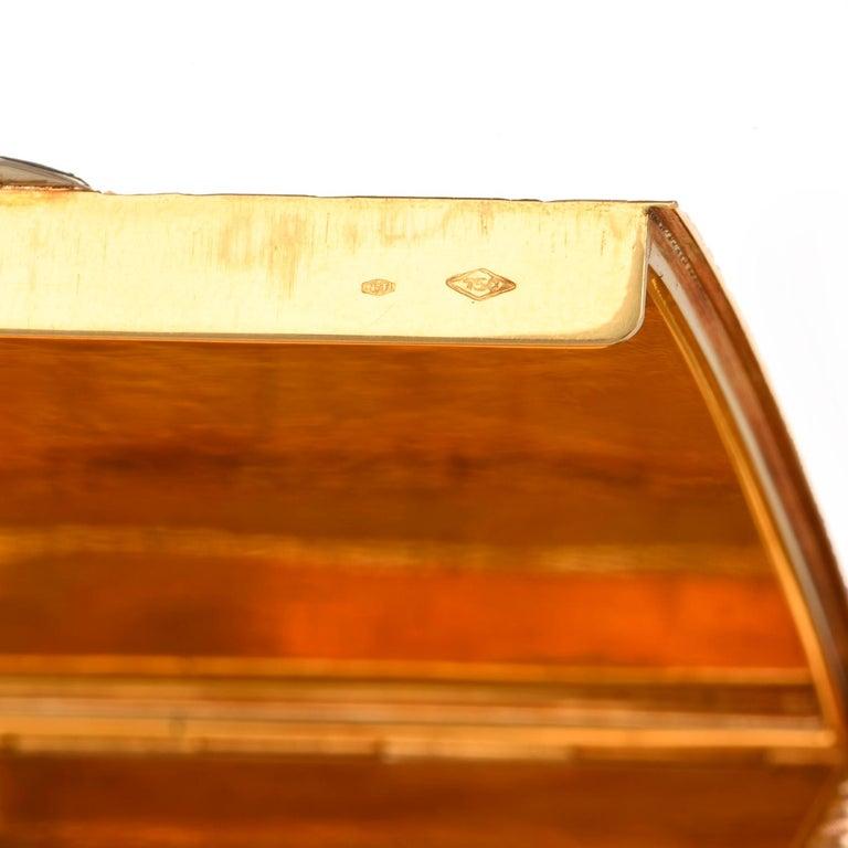 Vintage 1960s Floral Diamond 18 Karat Gold Compact Box For Sale 3