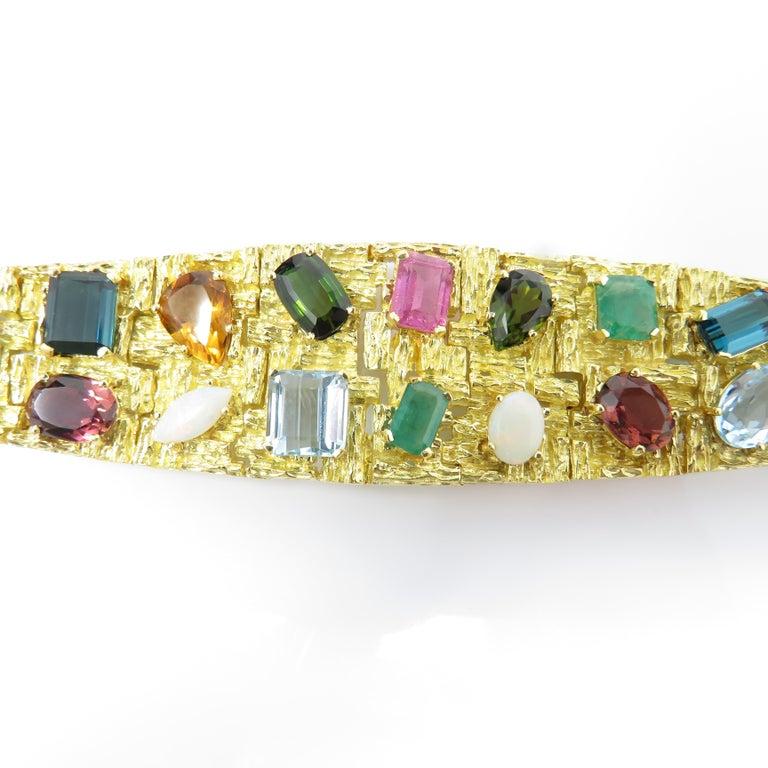 Vintage 1960s H. Stern Heavy 18 Karat Emerald Aquamarine Gemstone Cuff Bracelet In Excellent Condition For Sale In Shaker Heights, OH