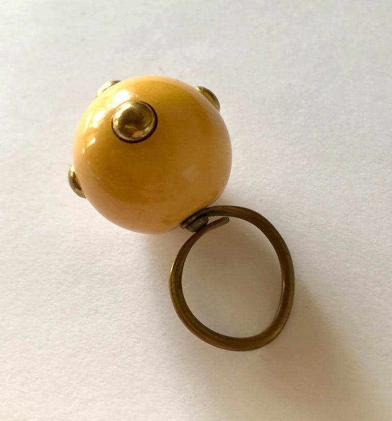 Artist Vintage 1960s Kenneth Jay Lane Beige Bakelite Plastic Go Go Ring Brass Studs For Sale