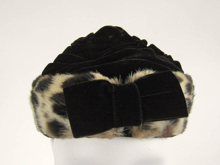 Vintage 1960s Leopard Print Fur Velvet Hat  In Good Condition For Sale In Wallkill, NY