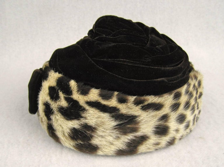 Vintage 1960s Leopard Print Fur Velvet Hat  For Sale 2