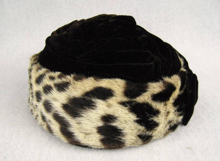 Vintage 1960s Leopard Print Fur Velvet Hat  For Sale 3
