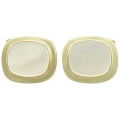 Vintage 1960s Mother of Pearl Yellow Gold Cufflinks