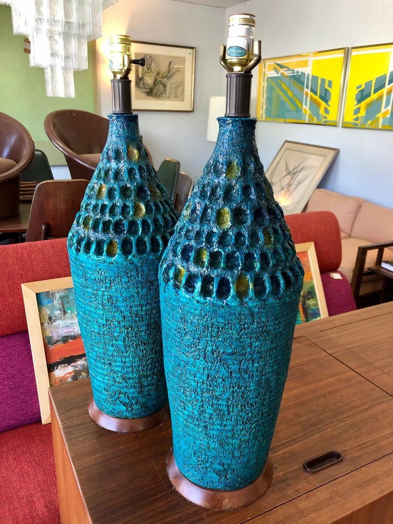 Vintage 1960s Pair of Large Turquoise Ceramic Table Lamps In Good Condition In San Antonio, TX