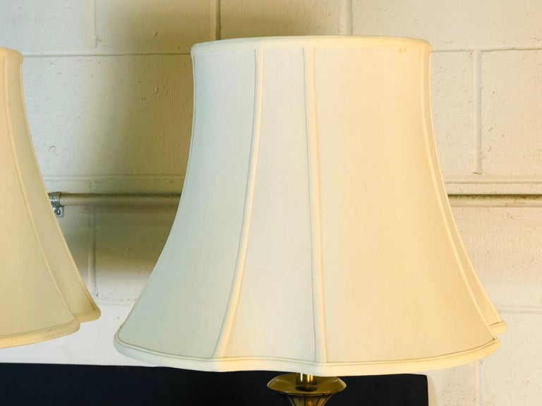 Vintage 1960s Sculptural Brass and Wood Laurel Lamps, Pair For Sale 4
