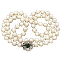 Vintage 1960s Single Strand Cultured Pearl and Emerald Clasp White Gold Necklace