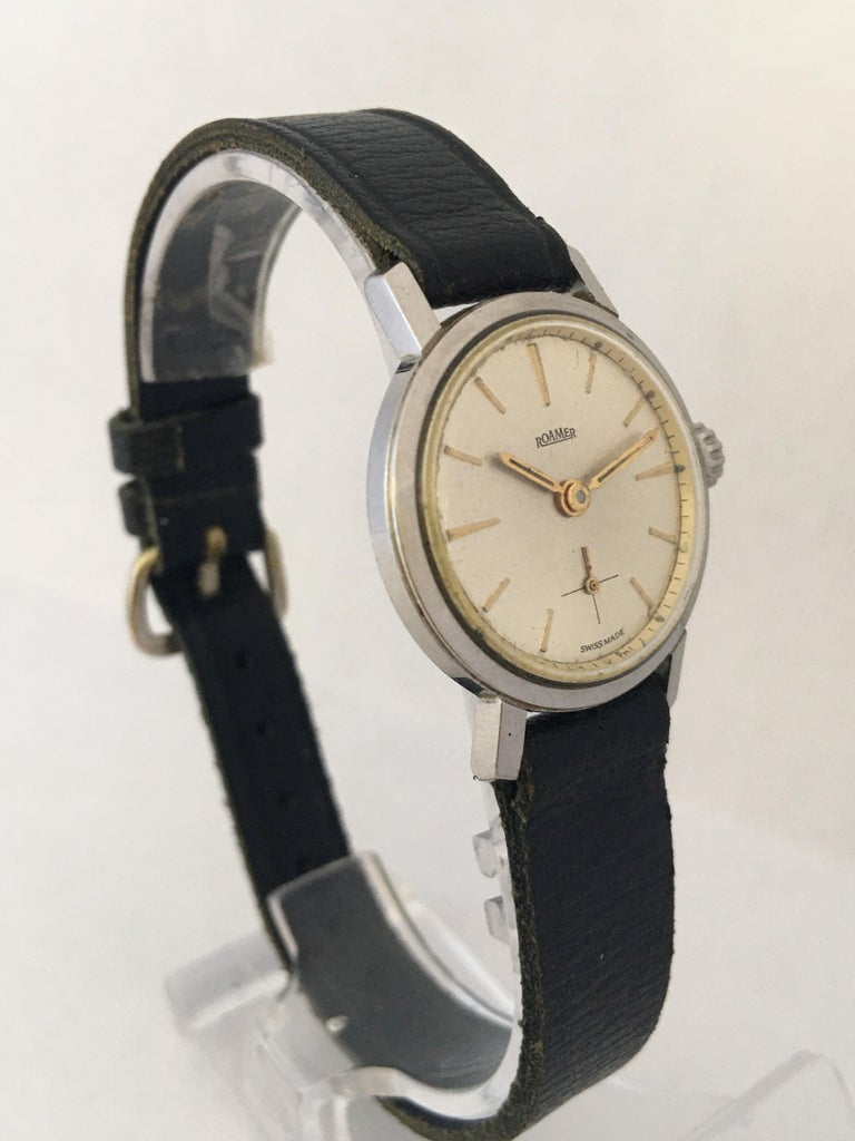 Vintage 1960s Stainless Steel Roamer Mechanical Ladies Watch In Good Condition For Sale In Carlisle, GB
