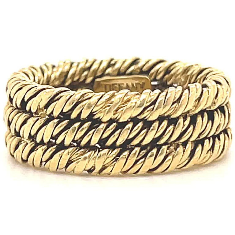 Vintage 1960's Tiffany & Co. 18 Karat Gold Woven Band In Excellent Condition For Sale In Beverly Hills, CA