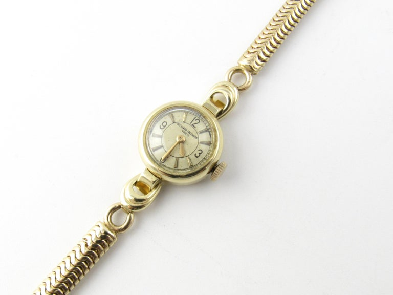 Vintage 1960s Vacheron Constantin 14 Karat Yellow Gold Ladies Hand Winding Watch For Sale 3