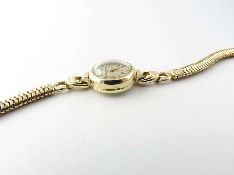Vintage 1960s Vacheron Constantin 14 Karat Yellow Gold Ladies Hand Winding Watch For Sale 5