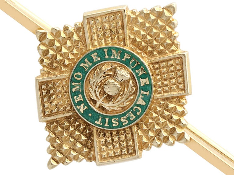 Women's or Men's 1960s Yellow Gold and Green Enamel Scots Guard Brooch For Sale