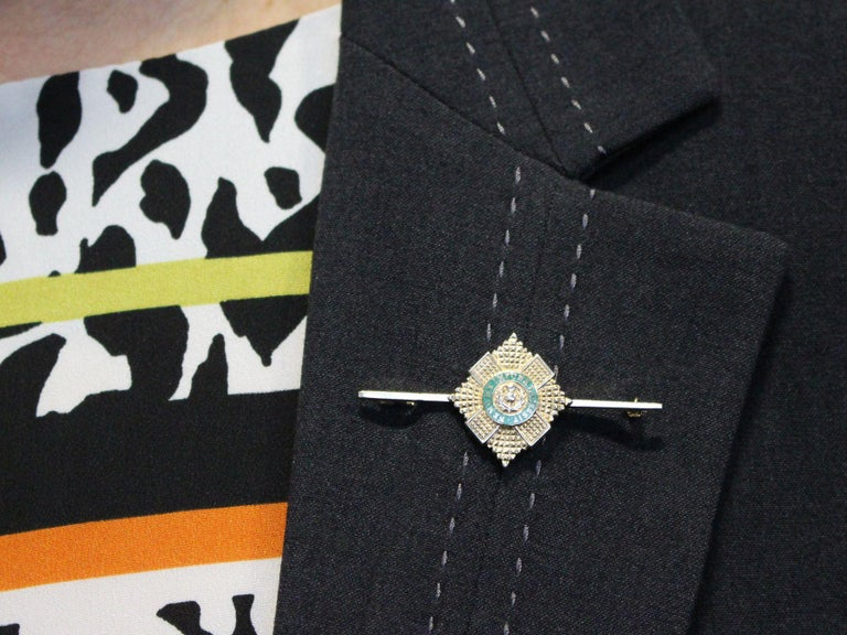 1960s Yellow Gold and Green Enamel Scots Guard Brooch For Sale 5