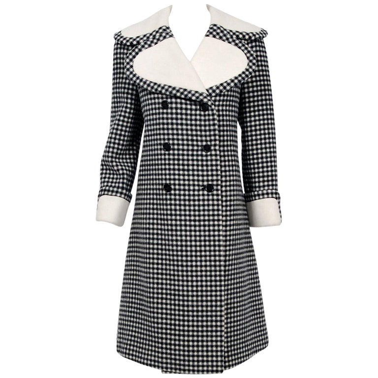 Vintage 1965 Geoffrey Beene Black Creme Checkered Wool Double-Breasted Mod Coat For Sale