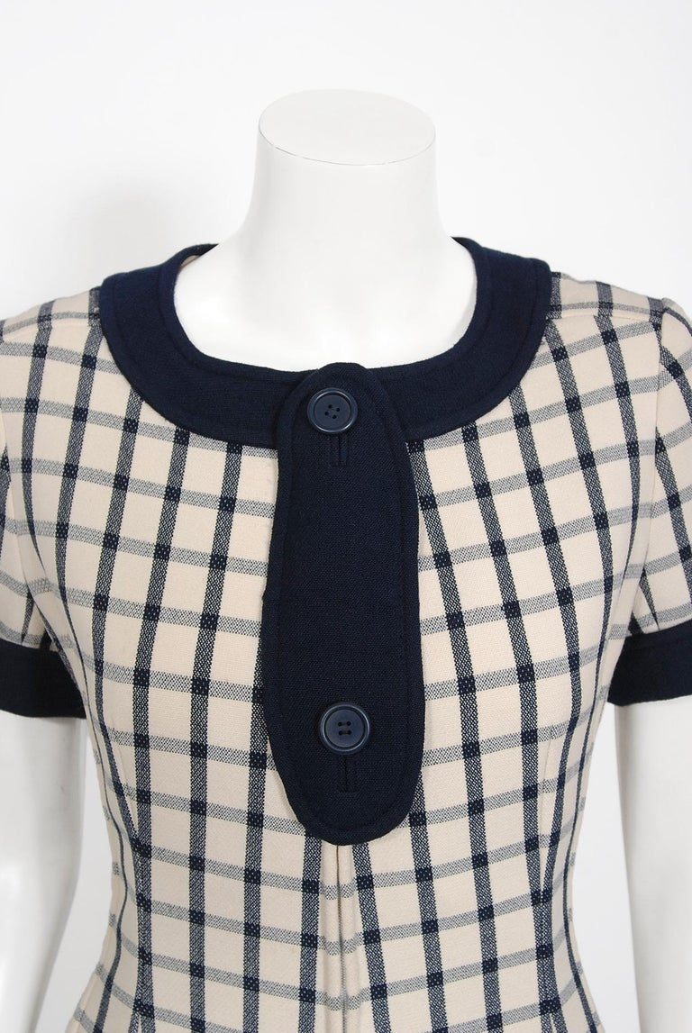 Vintage 1967 Courreges Couture Navy Ivory Checkered Wool Space-Age Mini Dress In Good Condition For Sale In Beverly Hills, CA