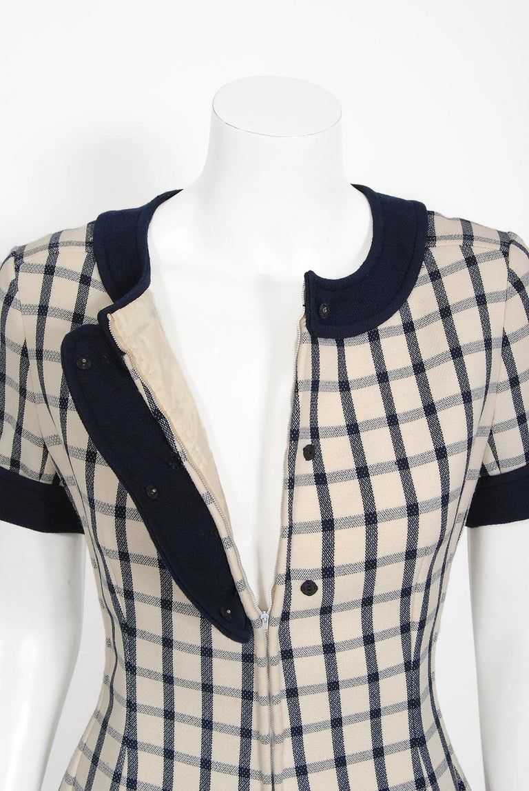 Women's Vintage 1967 Courreges Couture Navy Ivory Checkered Wool Space-Age Mini Dress For Sale