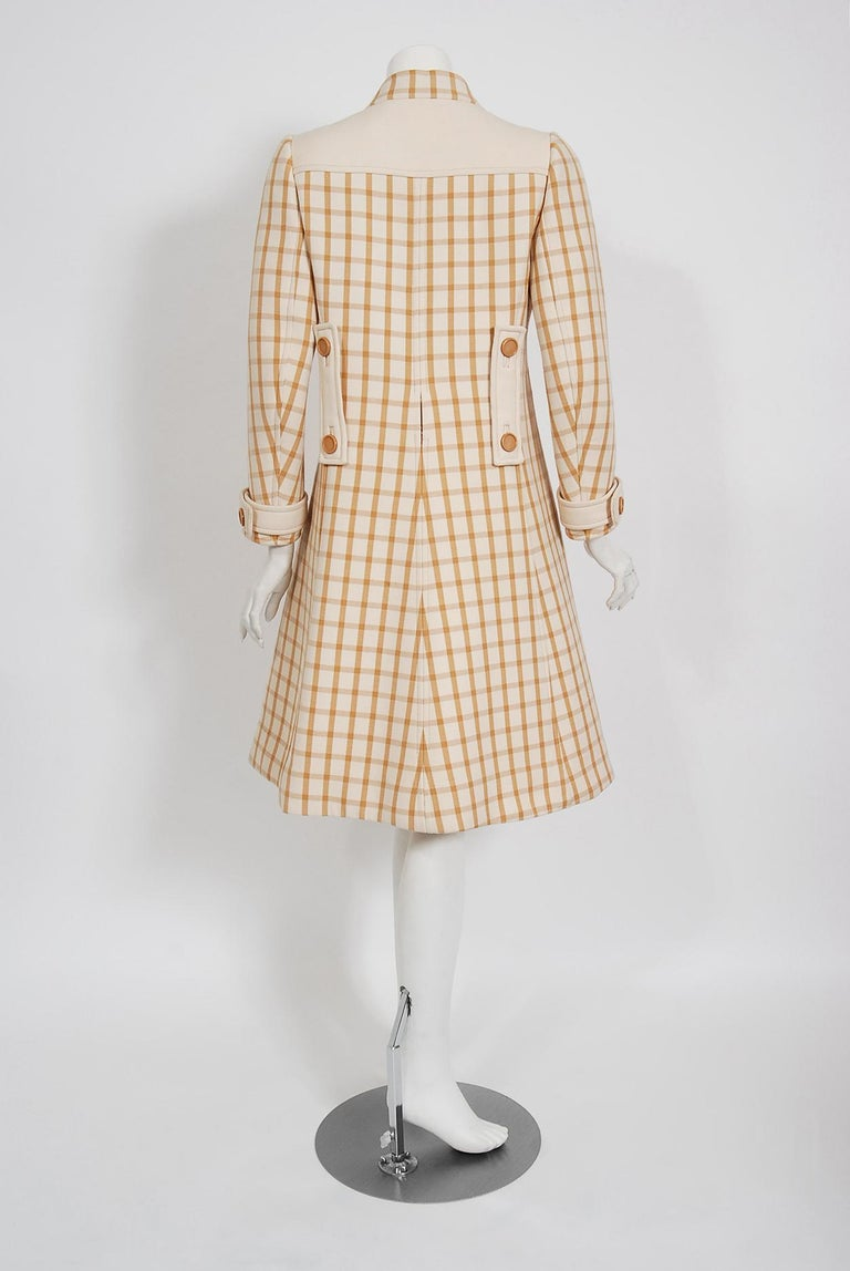 Vintage 1967 Courreges Couture Tan and Ivory Checkered Wool Mod Jacket Coat   For Sale 2