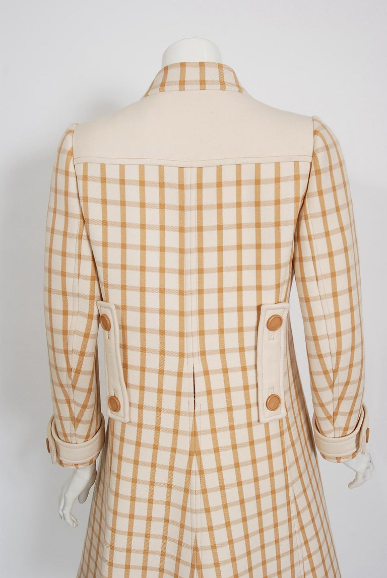 Vintage 1967 Courreges Couture Tan and Ivory Checkered Wool Mod Jacket Coat   For Sale 3