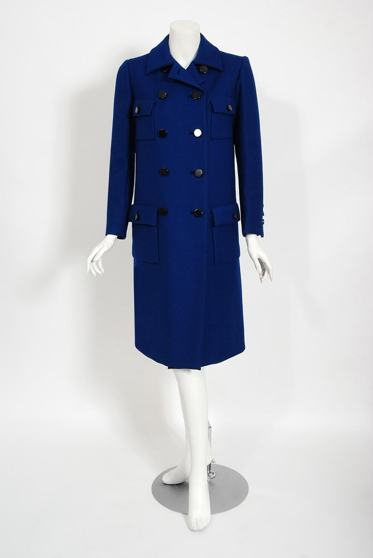 This timeless Norman Norell coat, in the chicest royal blue color, exemplifies his signature blend of couture level quality with quintessentially American style. This gorgeous garment, dating back to his 1969-70 fall winter collection, has the most