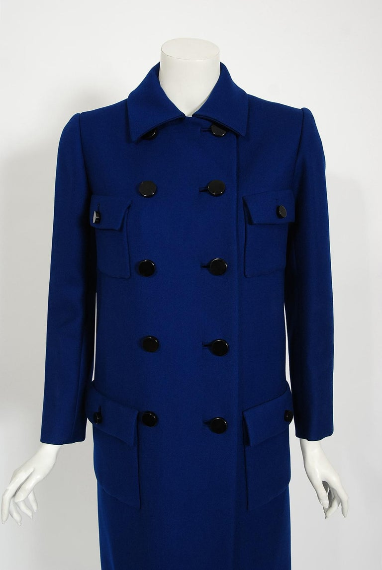 Vintage 1969 Norman Norell Royal Blue Wool Double-Breasted Mod Military Coat In Good Condition For Sale In Beverly Hills, CA