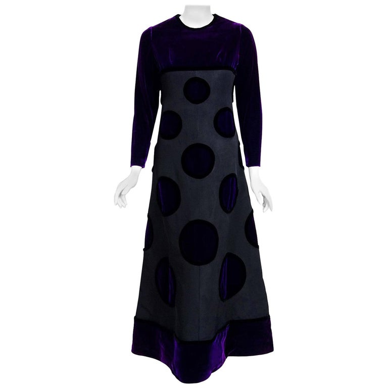 Breathtaking Pierre Balmain Haute-Couture royal purple velvet and black silk 'Copenhague' ensemble dating back to his opulent 1970 fall-winter collection. This iconic designer created a very sculptural quality which was always allied with a ladylike