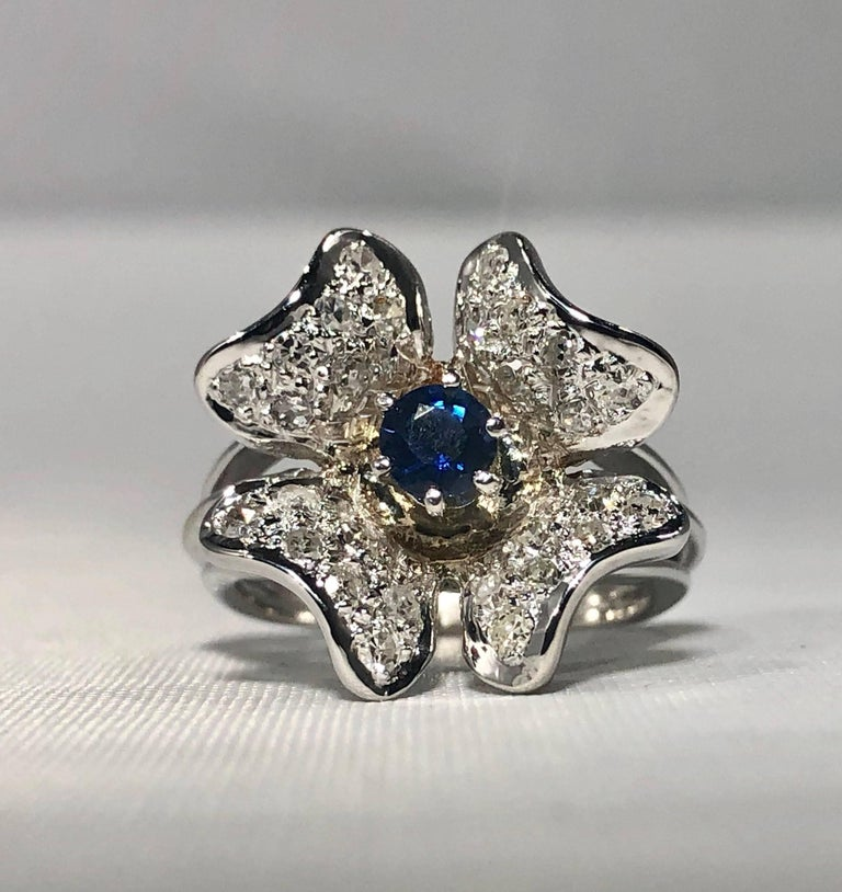 Vintage 1970s 14 Karat Sapphire and Diamond Flower Cocktail Ring In Excellent Condition For Sale In Mansfield, OH