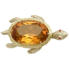 Vintage 1970s 38.65 Carat Citrine and Ruby Yellow Gold Turtle Brooch
