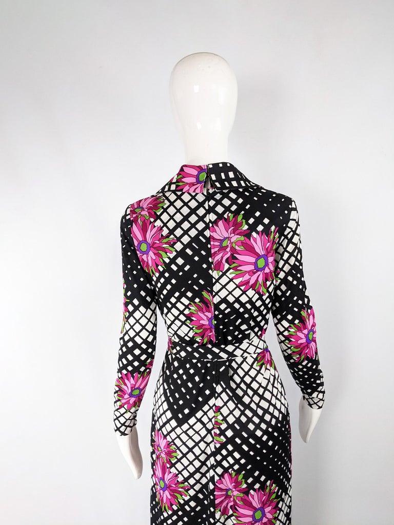 Vintage 1970s Black & White Print Maxi Dress For Sale 4
