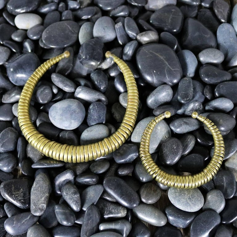 Vintage 1970s Brass Coil Choker Necklace and Cuff Bracelet In Good Condition For Sale In Topeka, KS