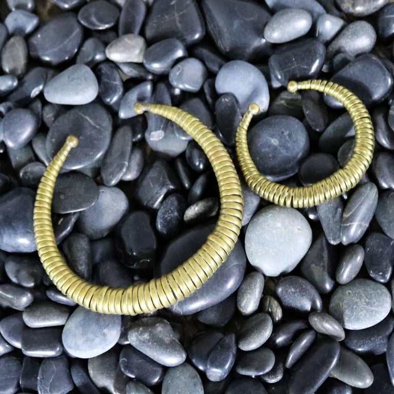 Vintage 1970s Brass Coil Choker Necklace and Cuff Bracelet For Sale 3