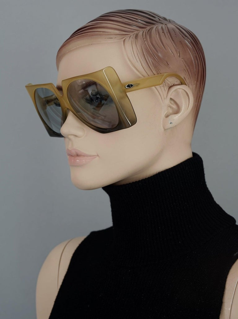 Women's or Men's Vintage 1970s CHRISTIAN DIOR Oversized Square Space Age Sunglasses For Sale