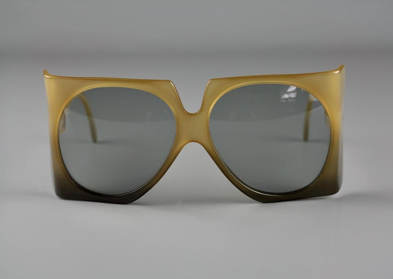 Vintage 1970s CHRISTIAN DIOR Oversized Square Space Age Sunglasses For Sale 1