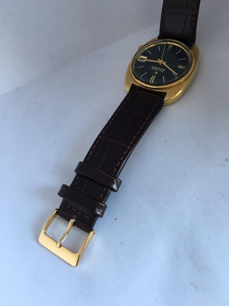 Vintage 1970s Gold-Plated Bulova Accutron Gent Watch For Sale 7