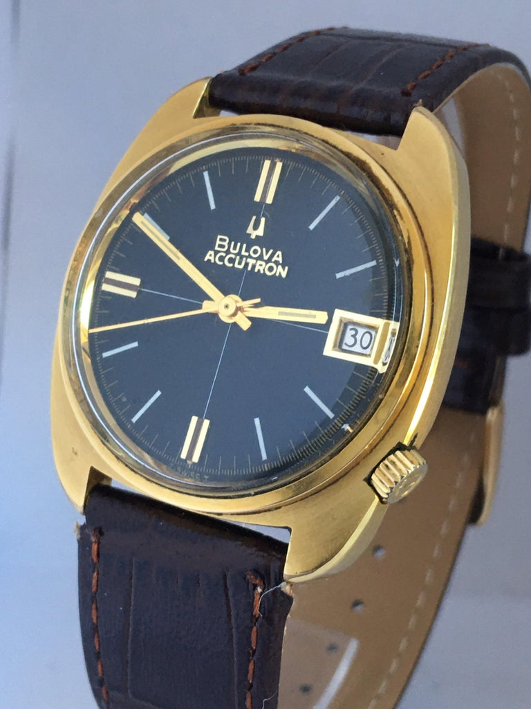 Vintage 1970s Gold-Plated Bulova Accutron Gent Watch For Sale 9