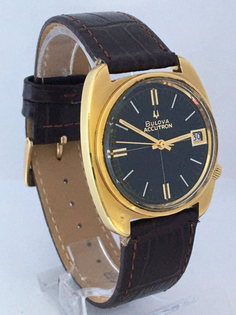 Vintage 1970s Gold-Plated Bulova Accutron Gent Watch For Sale 10